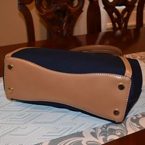 MICHAEL Michael Kors Bags - Michael Kors Raven Large Pocket Shoulder Tote